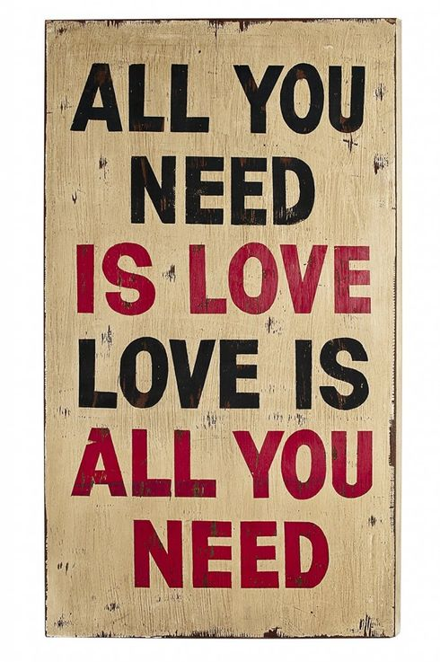 "Wall Art Deko Holzschild - ""All you need is love"" im Vintage Look -1"