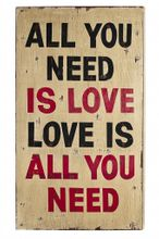 "Wall Art Deko Holzschild - ""All you need is love"" im Vintage Look"