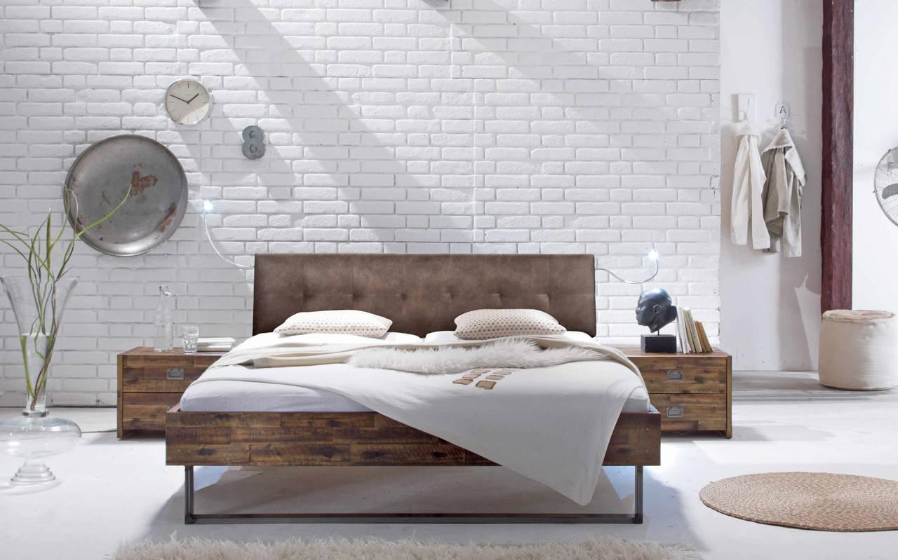 Bett FACTORY Rahmen LOFT Akazie massiv Metallkufen von Hasena
