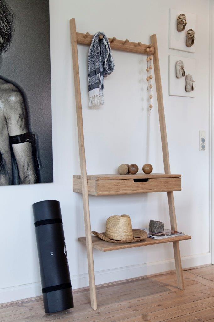 Wandgarderobe Garderobenleiter mit Schublade von Cinas