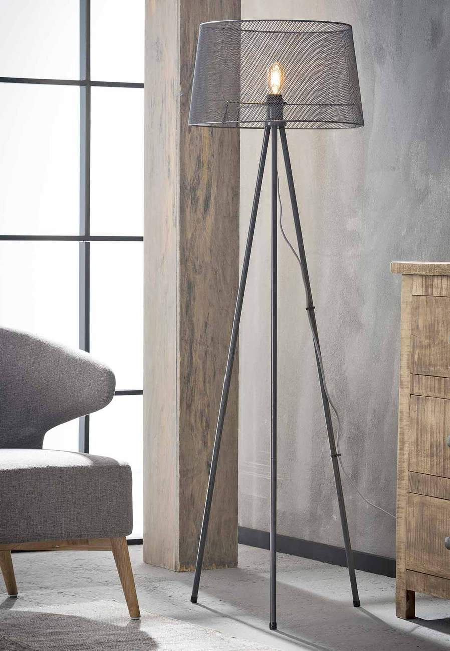 stehleuchte febe tripod stehlampe mit drahtgeflecht grau lackiert. Black Bedroom Furniture Sets. Home Design Ideas