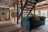 Sofa CHESTER Samt Dunkelgrün von DutchBone Ansicht-4